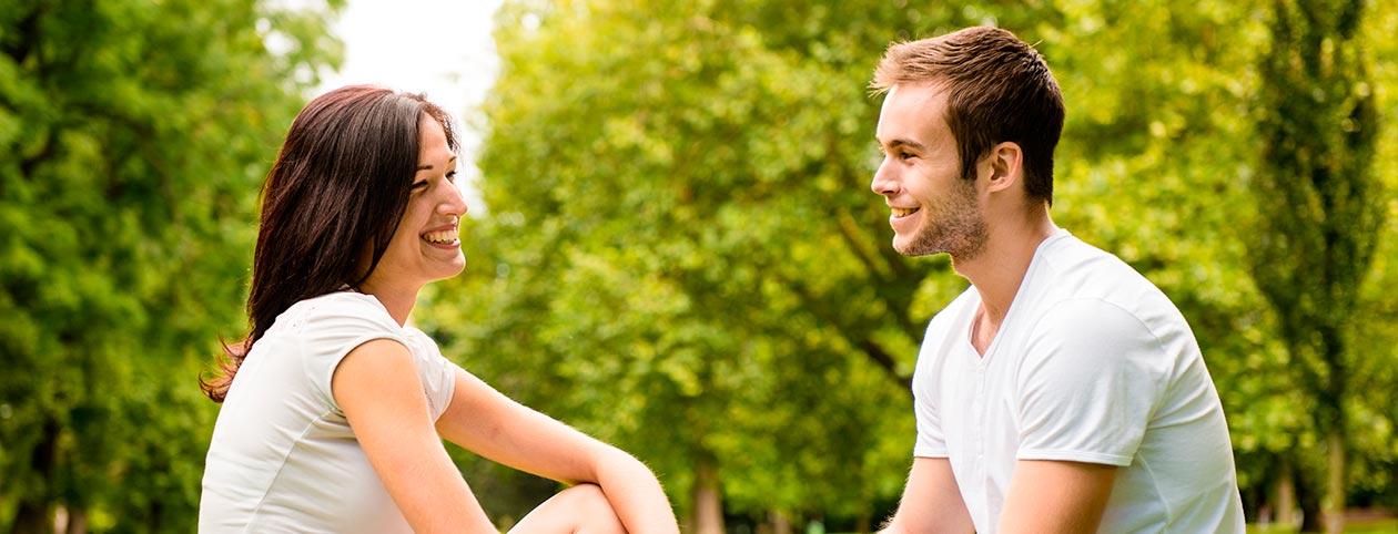 Man and woman using couples therapy exercises for improving communication